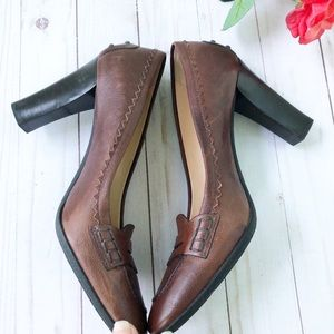 Tod's Shoes - 🌸HP🌸 Tod's Brown Loafer Heel Pumps Size 9